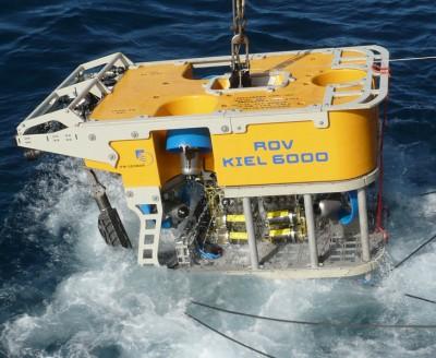 Sous marin utilisé pour geocaching océan